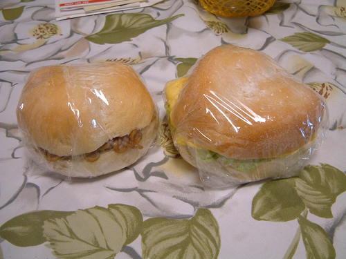 私の手作りパンでサンド